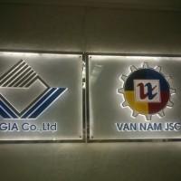 Biển Logo mica hắt sáng VAN NAM JSC